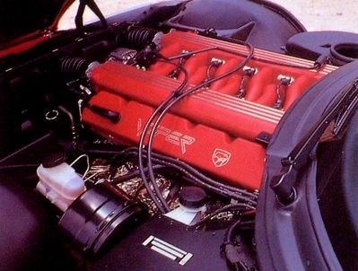 Dodge Vi+ RT 10 Engine